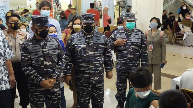 VIVA Militer: Danpushidrosal tinjau serbuan vaksinasi di Mangga Dua Square