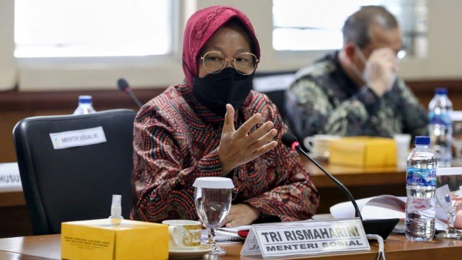 Mensos Risma dalam Rapat Kerja dengan Komite III DPD RI.