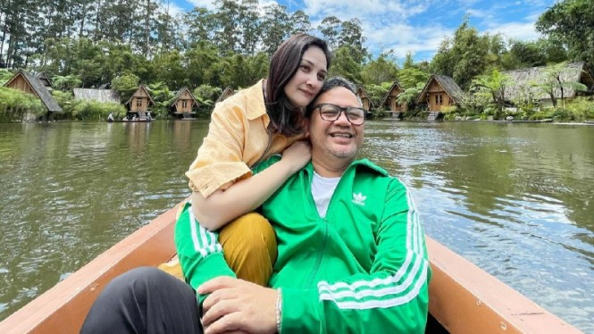 Mona Ratuliu dan Indra Brasco.