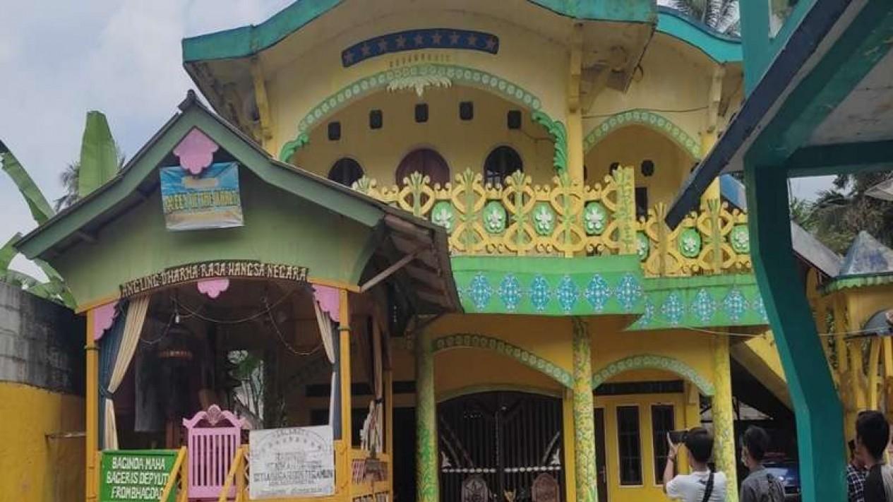 Rumah pimpinan kerajaan Angling Dharma di Pandeglang, Banten