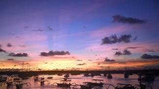 Bali telah mulai dibuka kembali bagipenduduk lokal dan pariwisata internasional diperkirakan akan dimulai kembali pada bulan November. (AFP: Sonny Tumbelaka)