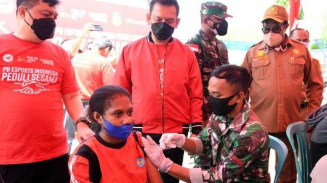 Vaksinasi jelang PON XX Papua.