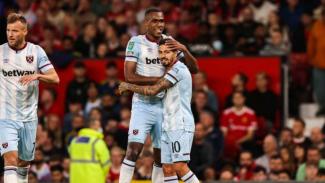 Pemain West Ham United rayakan kemenangan melawan Manchester United.