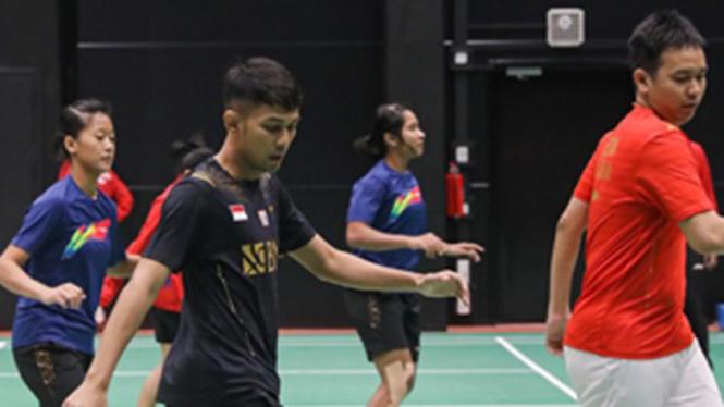 Latihan atlet bulutangkis Indonesia jelang Piala Sudirman