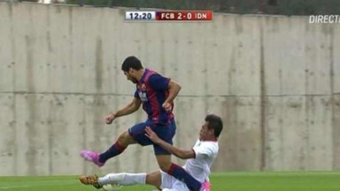 Aksi Luis Suarez membobol gawang Timnas Indonesia U-19.