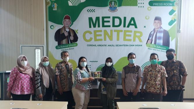 Anggota Biro Humas Kementerian Perdagangan kunjungan kerja ke Pemkot Bekasi