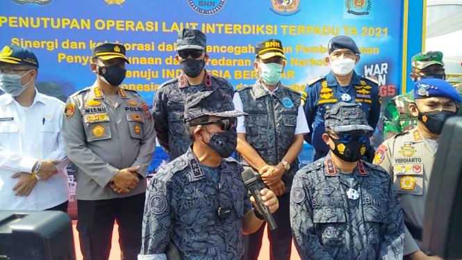Deputi Penindakan BNN, Arman Depari saat memberikan keterangan pers di Belawan