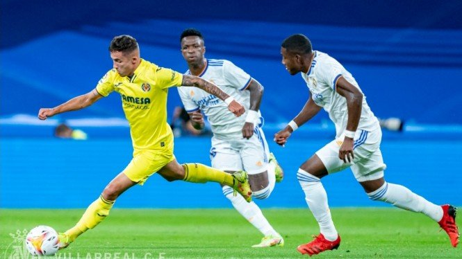 Pertandingan Real Madrid vs Villarreal dalan lanjutan LaLiga 2021/2022.