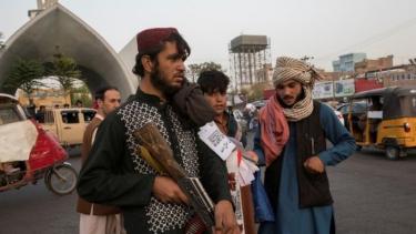 https://thumb.viva.co.id/media/frontend/thumbs3/2021/09/26/6150306465023-afghanistan-taliban-gantung-tubuh-tubuh-manusia-sebagai-peringatan-di-kota-herat_375_211.jpg