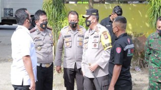 Kapolda NTB Irjen M Iqbal tengah memberikan arahan ke jajarannya