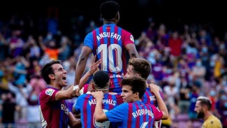 Pemain Barcelona merayakan gol Ansu Fati
