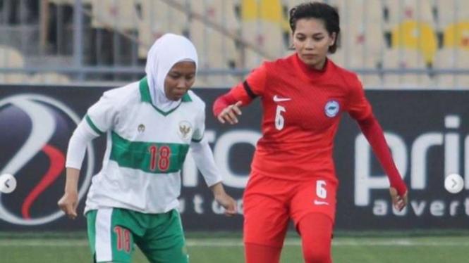 Bek Timnas Wanita Indonesia, Tia Darti Septiawati.