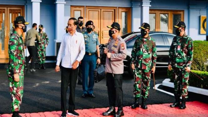 Presiden Jokowi akan melakukan penanaman pohon mangrove di Riau dan Kepri