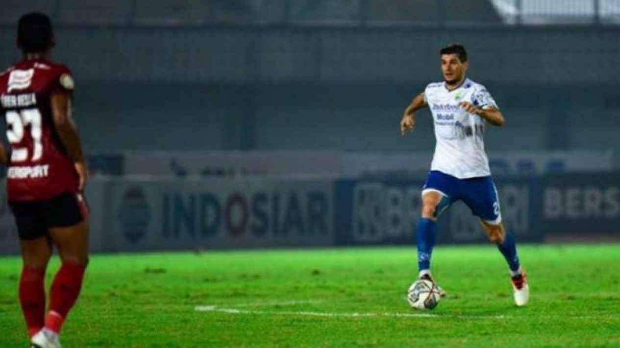 Bek Persib Bandung, Nick Kuipers.