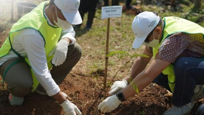 Uji coba penanaman Hutan Kota Pondok Rajeg