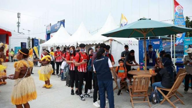 Rombongan atlet bulutangkis Papua melakukan validasi ID jelang PON XX Papua