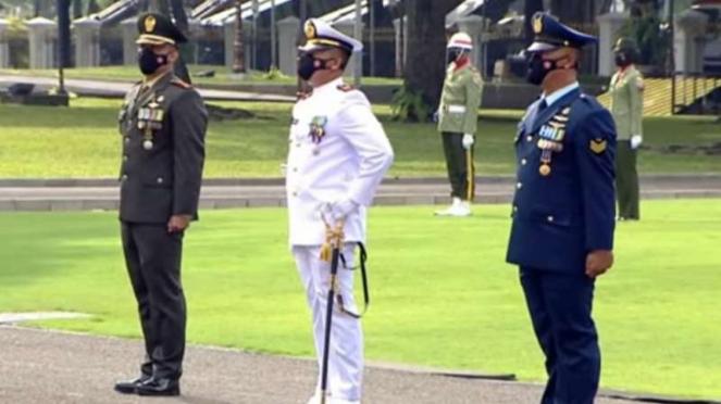 VIVA Militer: 3 prajurit TNI penerima bintang kehormatan dari Jokowi