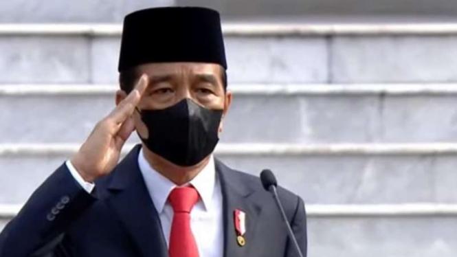 VIVA Militer: Presiden RI, Joko Widodo (Jokowi) pimpin Upacara HUT TNI ke-76