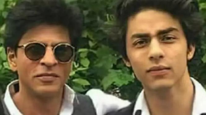 Permohonan Penangguhan Penahanan Ditolak, Fans Hibur Shah Rukh Khan dan Aryan dengan