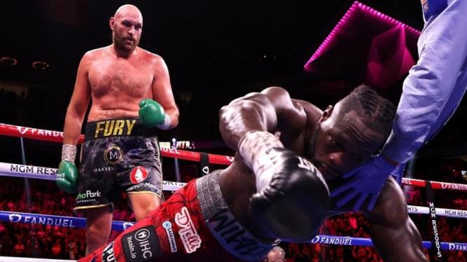 Tyson Fury mengalahkan Deontay Wilder
