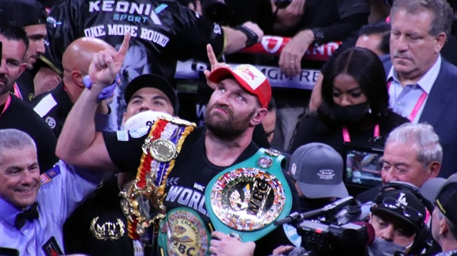 Tyson Fury usai mengalahkan Deontay Wilder