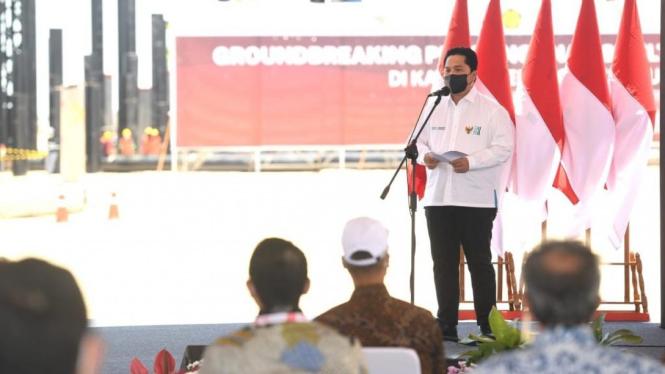 Menteri BUMN Erick Thohir di lokasi Groundbreaking Pembangunan Smelter Freeport Indonesia di KEK Gresik.