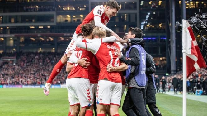Timnas Denmark merayakan gol di Kualifikasi Piala Dunia 2022