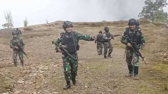 VIVA Militer: Danrem 174/ATW, Brigjen TNI Bangun Nawoko (tengah)