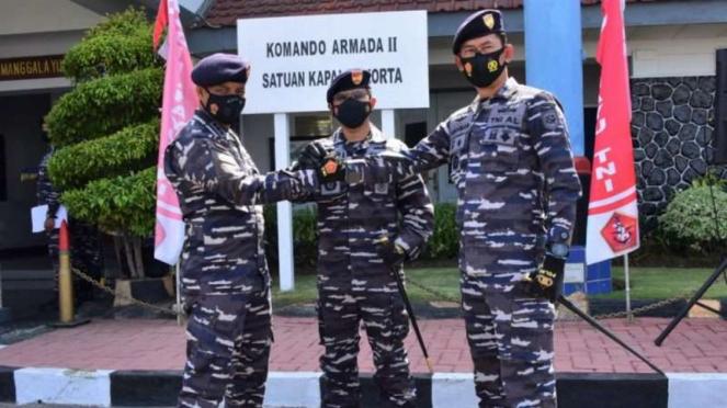 VIVA Militer: Sertijab Komandan dua kapal perang TNI Angkatan Laut
