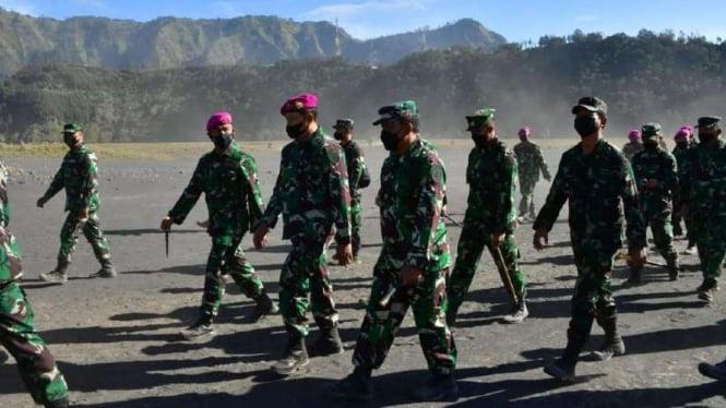 VIVA Militer: KSAL jelajahi gurun pasir Bromo demi motivasi siswa Dikko Marinir