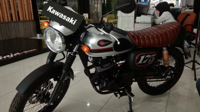 Kawasaki W175 Cafe.