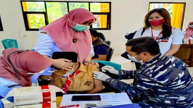 Vaksinasi para pelajar di Pasuruan, Jawa Timur