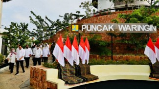Presiden Jokowi dan Ibu Negara Iriana Joko Widodo berkunjung ke Labuan Bajo.