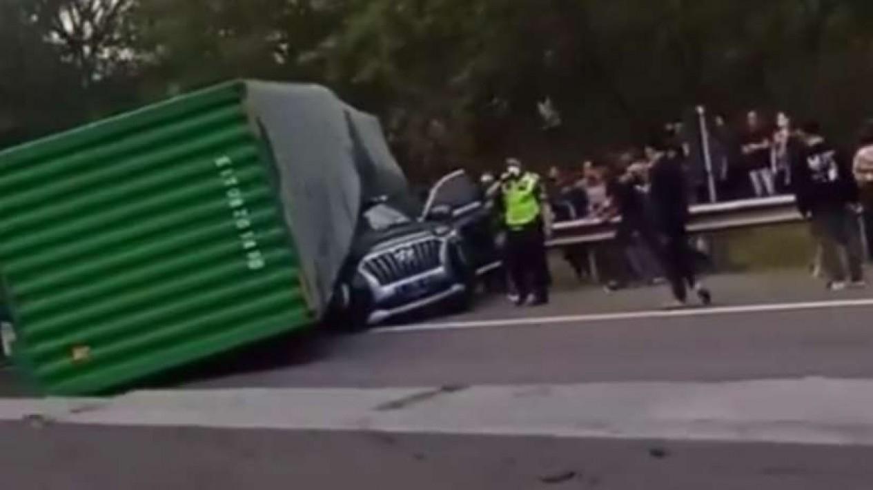 Kecelakaan di Tol Cipularang.
