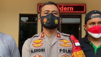 Kapolsek Kembangan, Kompol H. Khoiri.