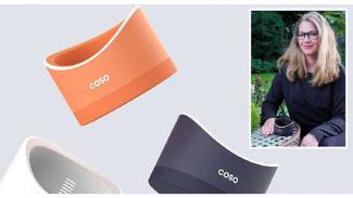 Desainer Jerman Rebecca Weiss dengan perangkat ciptaannya, Coso.