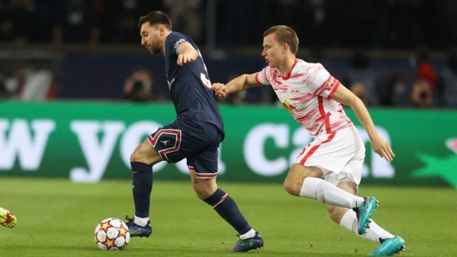 Lionel Messi dalam laga PSG vs Leipzig