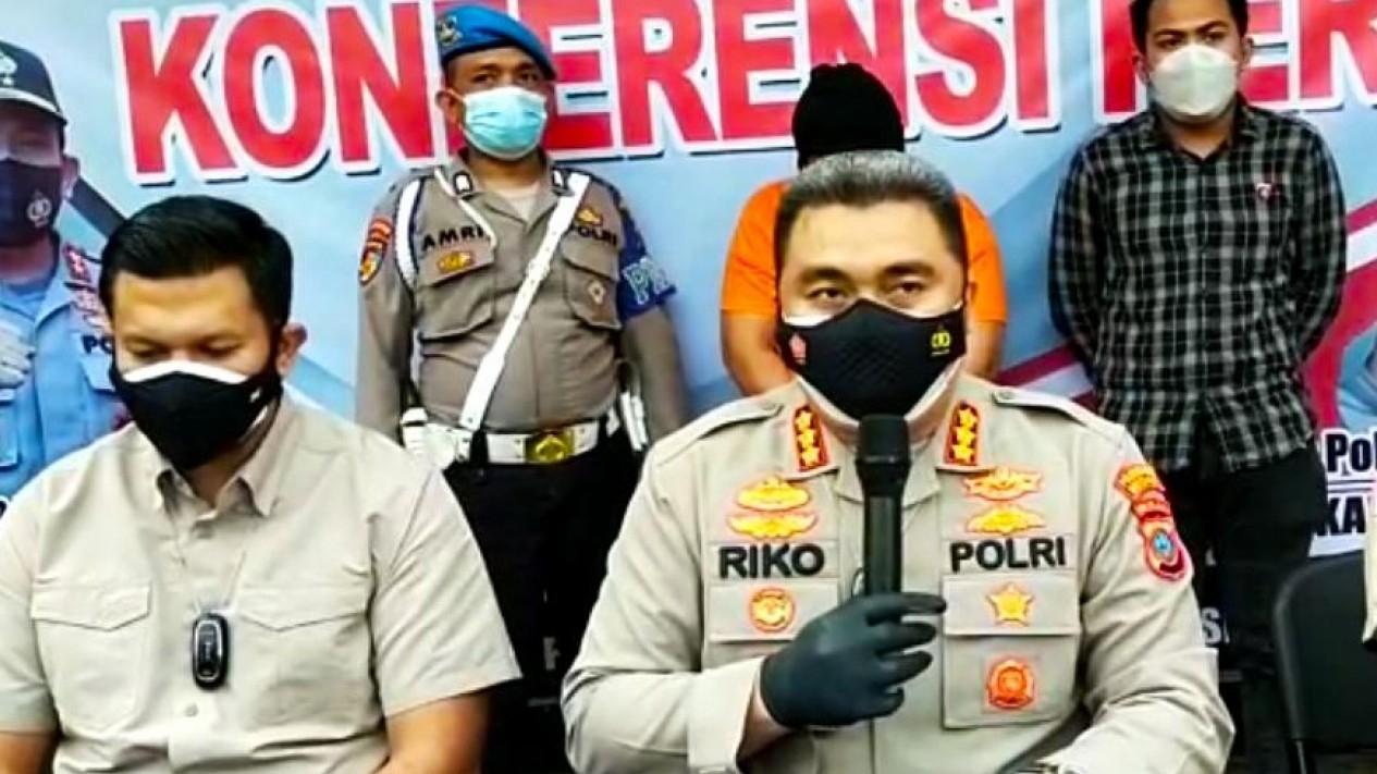 Kapolrestabes Medan Kombes Riko Sunarko beri keterangan pers kasus pencabulan.