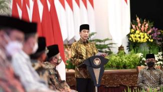 Presiden Jokowi Saat Peringatan Hari Santri Nasional Tahun 2021 di Istana Negara