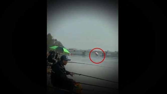 VIVA Militer: Pesawat militer China jatuh.