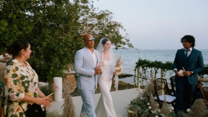 Pernikahan Meadow Walker.