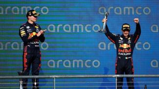 Pembalap Formula Red Bull Racing, Max Verstappen dan Sergio Perez