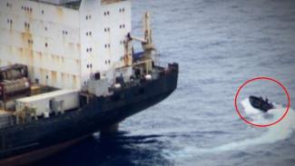 VIVA Militer: Perompak kabur dari Kapal Lucia.