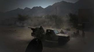VIVA Militer: Militer Yaman bombardir tentara bayaran Arab Saudi.
