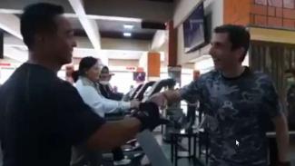 VIVA Militer: KSAD Jenderal TNI Andika bersama Major General Justin Ellwood