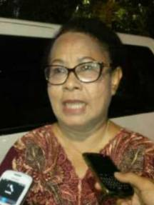 Prof. DR.Yohana Susana Yembise, Dip.Apling, MA