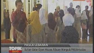 https://thumb.viva.co.id/media/frontend/vthumbs2/2010/09/14/17401_sultan-gelar-open-house--warga-antusias_325_183.jpg