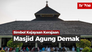 https://thumb.viva.co.id/media/frontend/vthumbs2/2018/06/11/masjid-agung-demak-simbol-kejayaan-kerajaan-demak_5b1e70094b433_viva_co_id_325_183.jpg