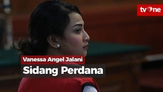 https://thumb.viva.co.id/media/frontend/vthumbs2/2019/04/25/vanessa-angel-jalani-sidang-perdana-di-pn-surabaya_5cc133381f416_viva_co_id_325_183.jpg