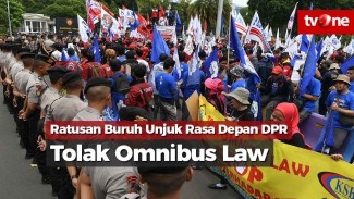 https://thumb.viva.co.id/media/frontend/vthumbs2/2020/01/20/ratusan-buruh-unjuk-rasa-tolak-omnibus-law_5e255afa834a9_viva_co_id_325_183.jpg